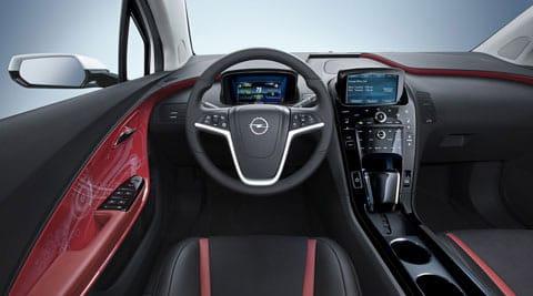 Interior del Opel Ampera.