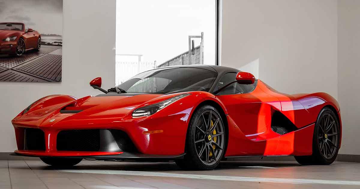 Conducir un Ferrari por 60 euros ya es posible en el Salón del Automóvil