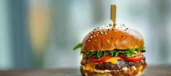 Cada vez comemos más comida grasa y raciones más copiosas