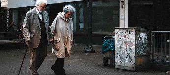 Consejos a mayores para protegerse de robos, estafas y maltratos