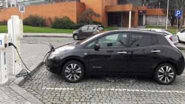 Los puntos de recarga V2G y V2H para coches eléctricos permitirán vender a la red la energía sobrante
