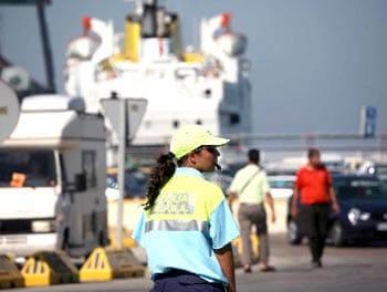 Trabajadora en la operación paso del estrecho en Algeciras.