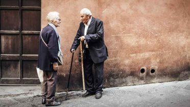 Los mayores de 64 años son el 17% de la población, un porcentaje que se duplicará en 2049