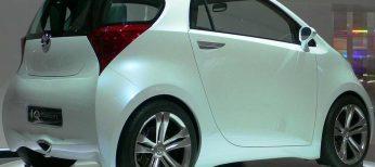El Toyota iQ ya conecta el teléfono móvil a la pantalla de la consola del coche