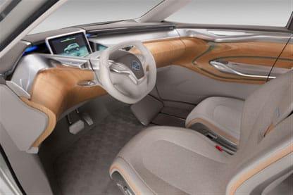 Interior del Nissan Terra.