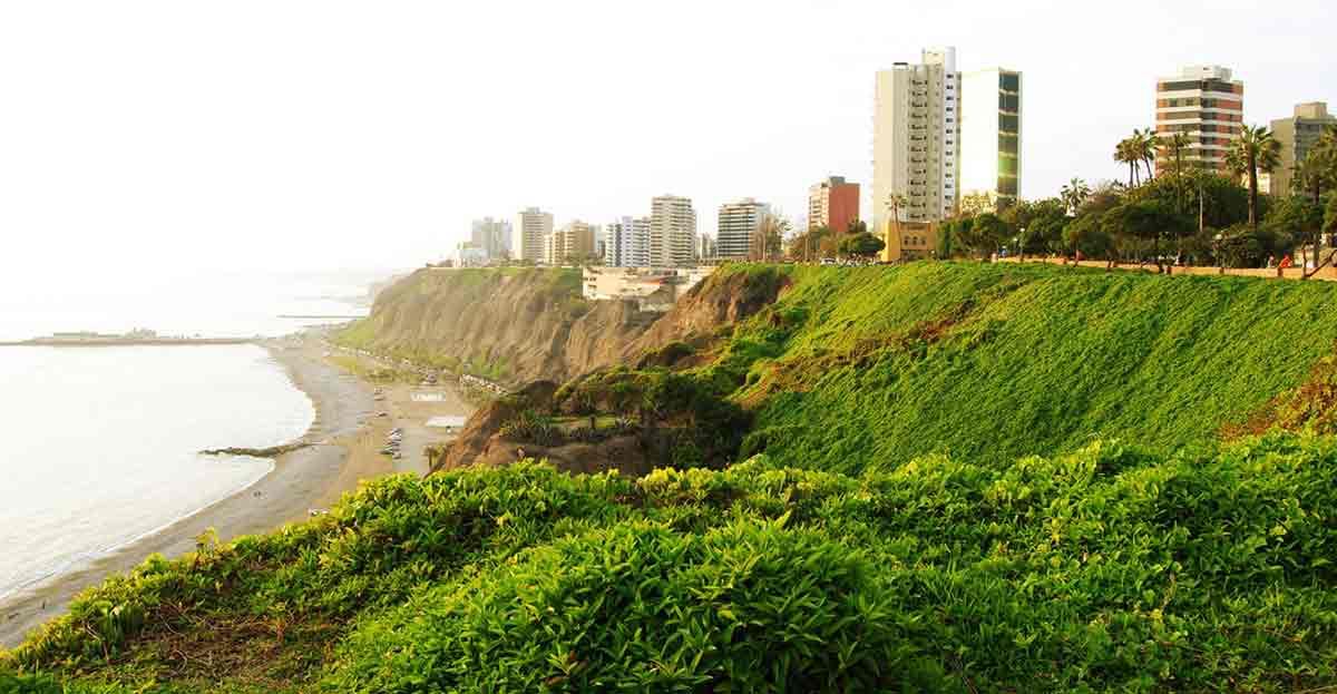 La nueva Ley de Costas protege las playas de los excesos urbanísticos y no amnistía las anteriores construcciones ilegales