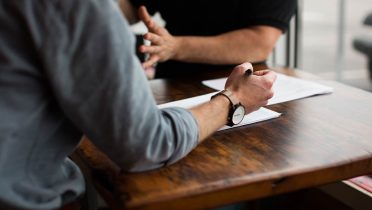 Consejos prácticos para los mayores de 45 años a la hora de enfrentarse a una entrevista de trabajo