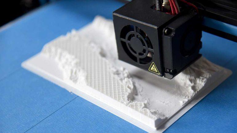La primera impresora 3D a color cuesta 11.300 euros