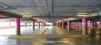 En una plaza de garaje sólo puede aparcar más de un coche o moto sólo si está acordado