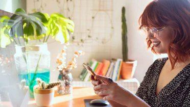 Los bancos también tratan de rentabilizar los servicios en el móvil a clientes cuando eran servicios que tradicionalmente se hacían en la oficina