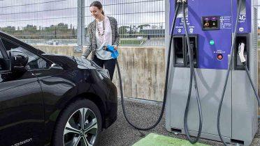 Carga rápida por inducción de coches eléctricos en 15 minutos
