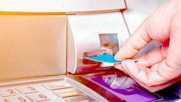 ¿Comisiones desmesuradas? Cómo negociar con su banco