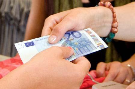 Los billetes de 20 euros son de los más falsificados.