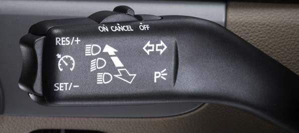 Manecilla de la función de control automático de la velocidad del coche.