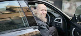 ¿Límites funcionales de los conductores con la edad? La mitad de los mayores de 80 años prefiere su coche al transporte público
