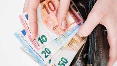 La mitad de los españoles está sin ahorros