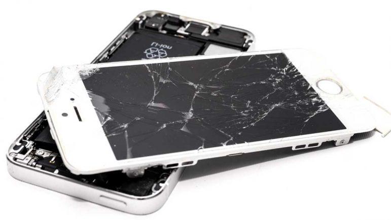 El fin de los teléfonos de regalo duplica las reparaciones de terminales rotos