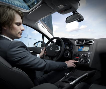 Citroen ofrece seguros para los coches de su marca, como el C4 HDI Airdream.