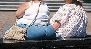Un tercio de las personas con obesidad recurren a las dietas 'milagro'.