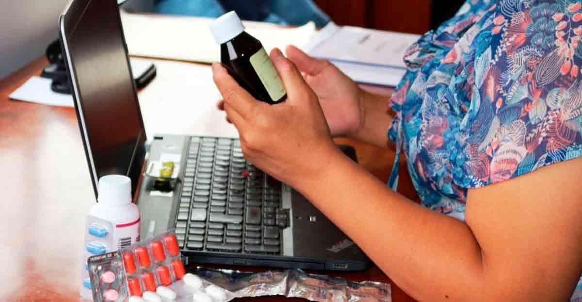 Aspectos a tener en cuenta (y peligros) cuando se compran medicamentos por Internet