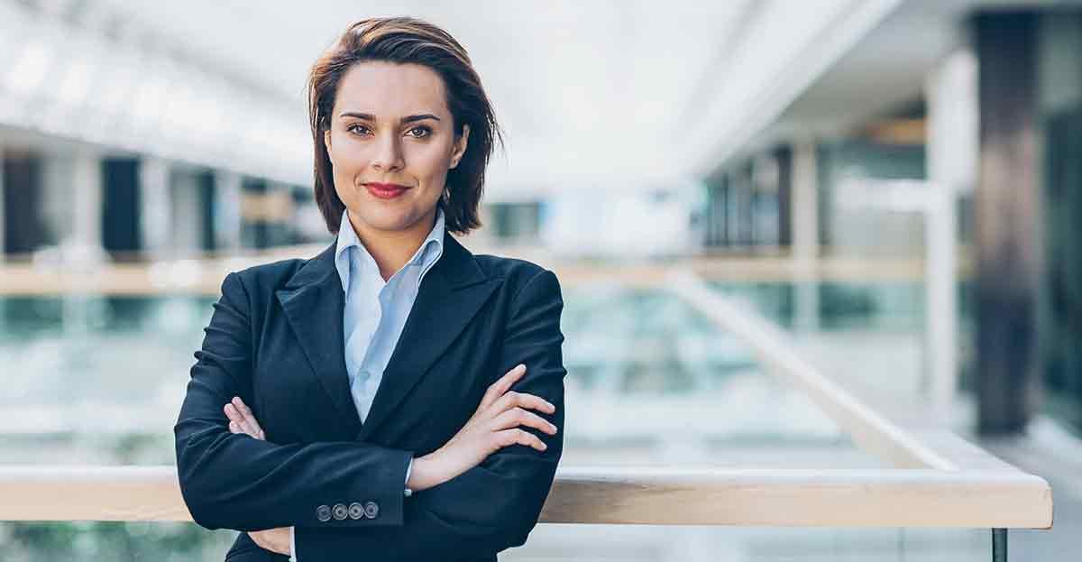 Las trabajadoras están más capacitadas para dirigir áreas de responsabilidad que los hombres