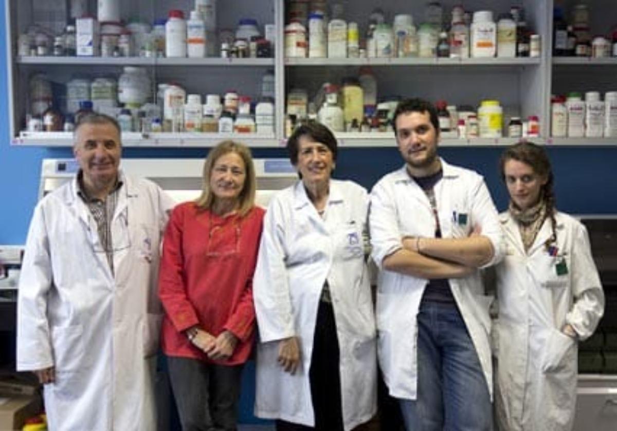 El equipo que ha desarrollado la nueva patente contra el acné.