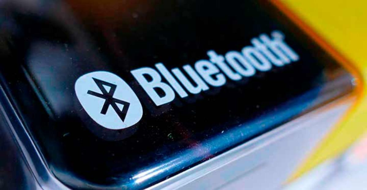 Sí, por Bluetooth también hay riesgos como bluejacking, car whisperer y bluebugging