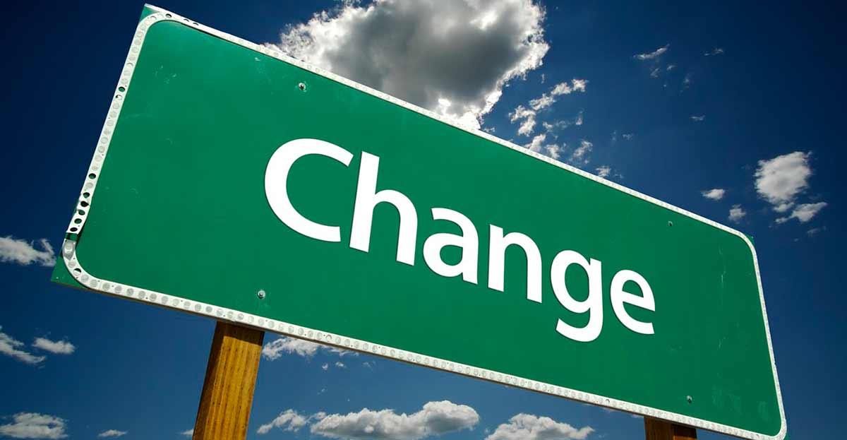 Cambios empresariales, mejorar o ganar más dinero son los motivos para cambiar de trabajo
