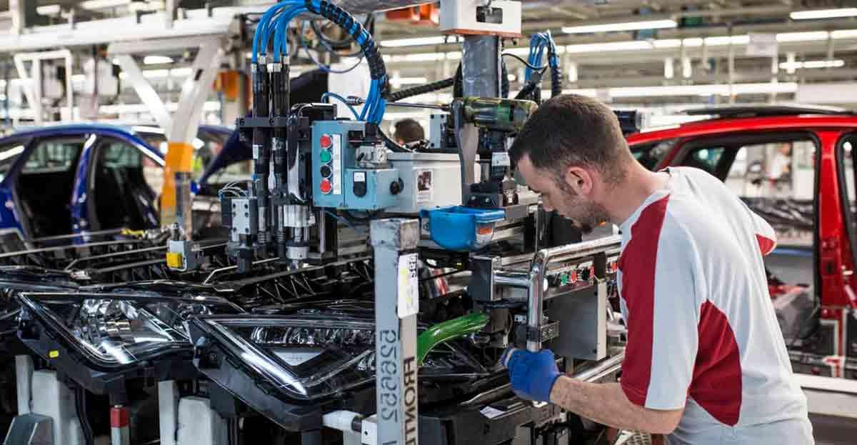 SEAT ofrece 75 plazas para aprendiz de mecanizado, mantenimiento y electromecánica de vehículos