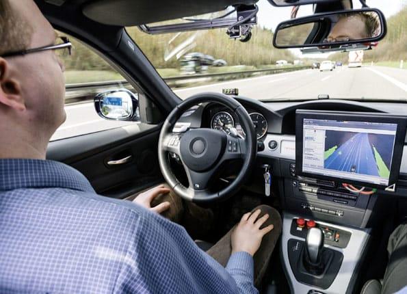 Pruebas en autopista con tráfico real de conducción automática de Bosch.