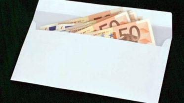 dinero-sobre-euros
