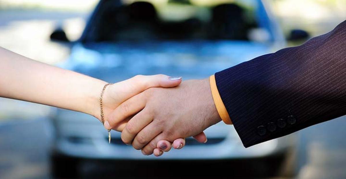 La mitad de los compradores de coche busca información antes por el teléfono móvil o la tableta