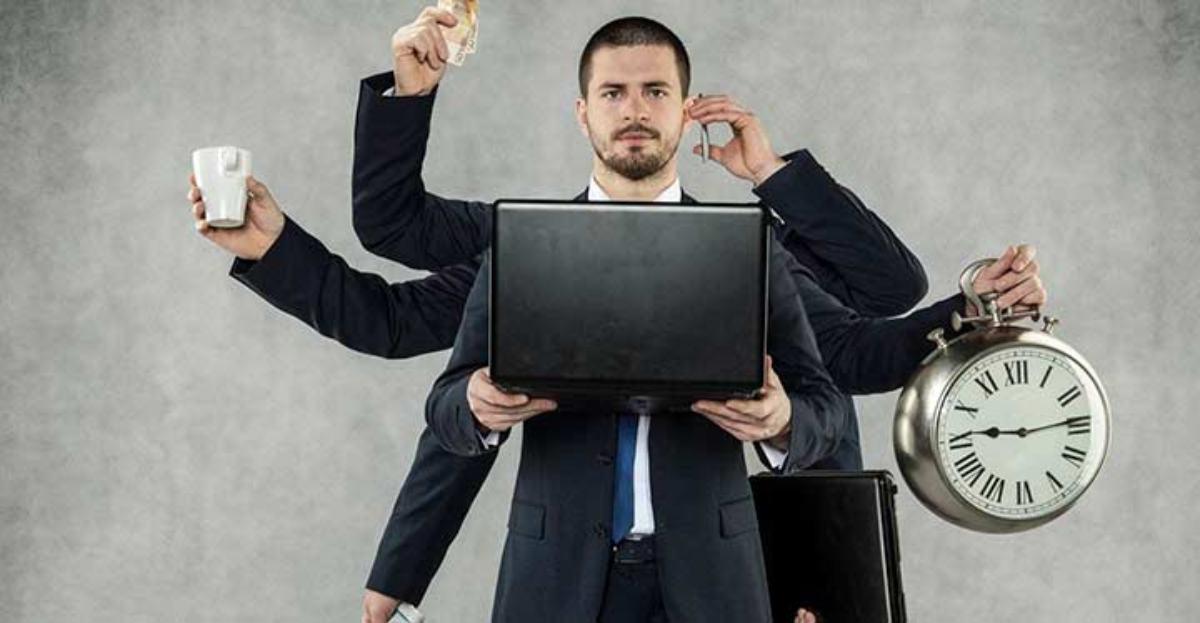 La mitad de los consejeros 'independientes' de grandes empresas tiene también cargos financieros en otras empresas