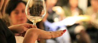 Directivos y profesionales cualificados, los que más alcohol toman