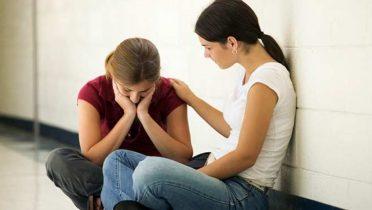 Las mujeres empatizan más que los hombres y por eso son menos crueles en la infancia