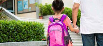 Si los padres están en paro, los niños van andando al colegio