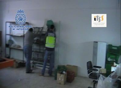 Inspección de la Policía en la que se encontraron trabajadores ilegales.