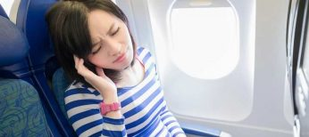 ¿Por qué duelen los oídos al viajar en avión?