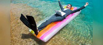 La mitad de empleados españoles tendrán que trabajar también durante sus vacaciones