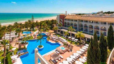 Pasar las vacaciones en un hotel de costa en España es más económico que hacerlo en Turquía, Chipre o Italia