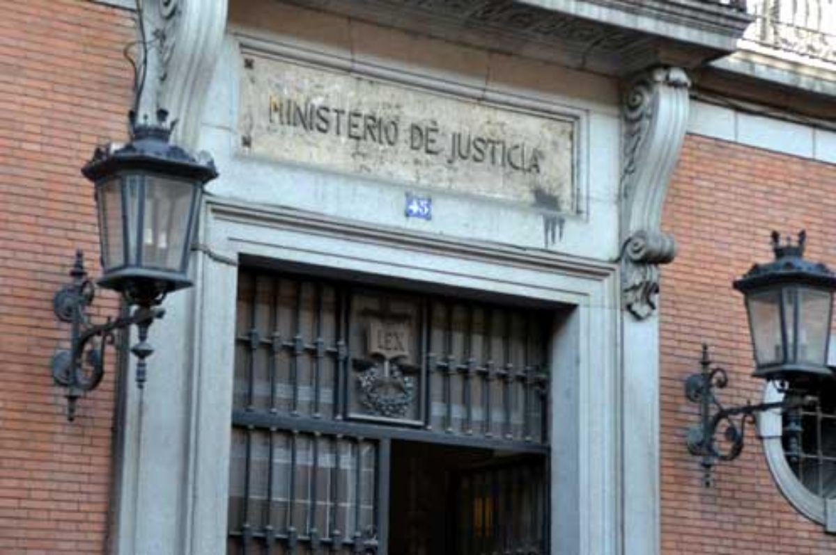 Entrada al Ministerio de Justicia.