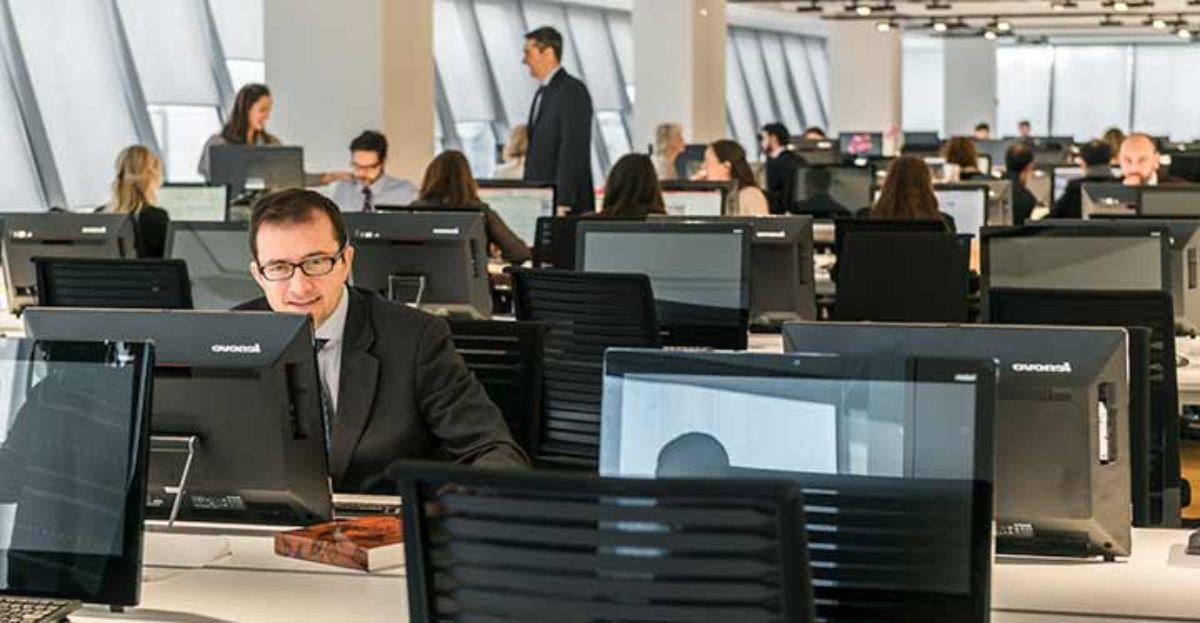Madrid, Cataluña, País Vasco, y Navarra, lugares a los que ir para encontrar trabajo