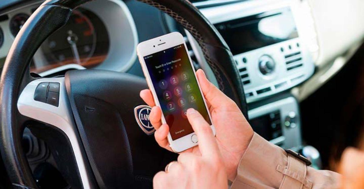 Más de 3.200 multados en una semana por hablar con el móvil conduciendo