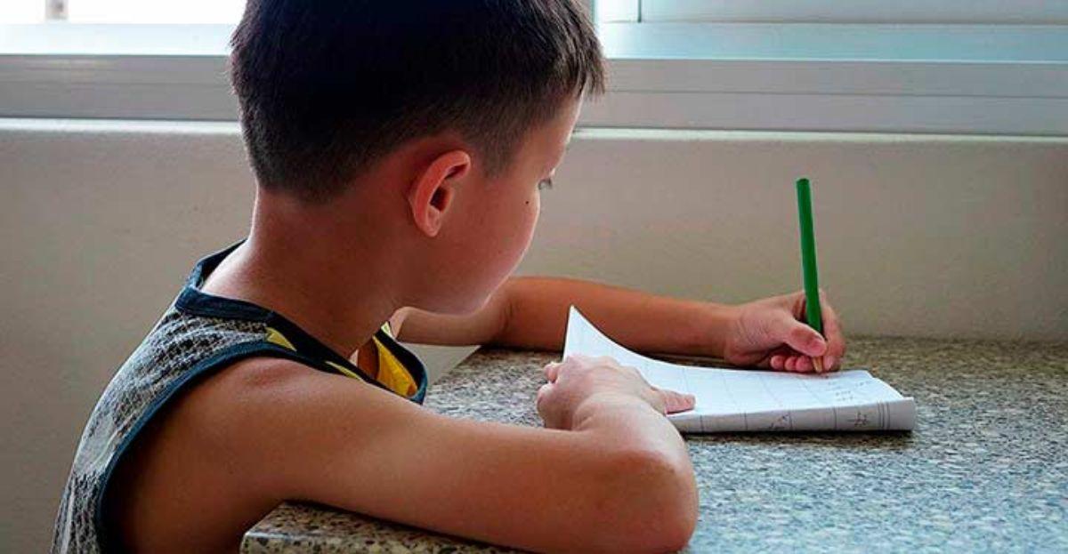 A partir de Primaria y 20 minutos al día, momento para empezar a hacer los deberes