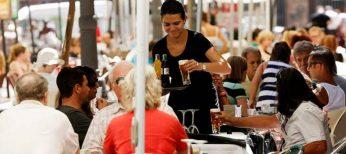 España emplea a 3 de cada 4 trabajadores en el sector servicios