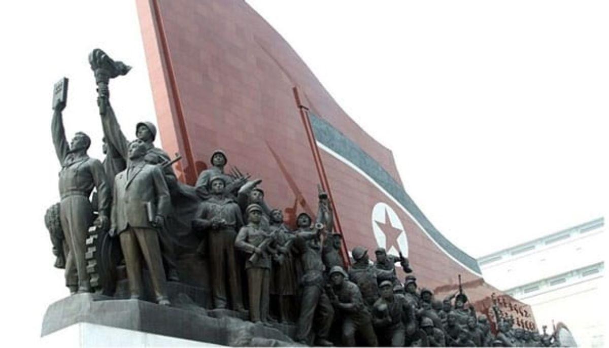 Monumento a la Revolución en Corea del Norte.