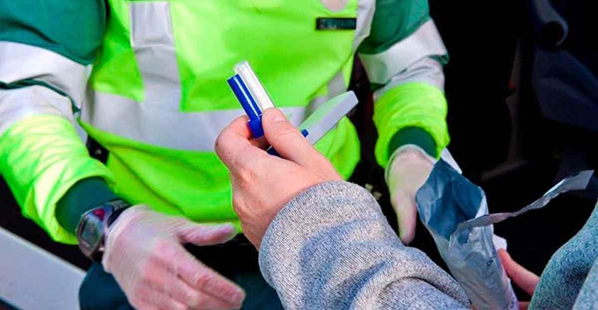 La nueva reforma del Reglamento de Circulación incluirá la saliva como prueba para los test de drogas