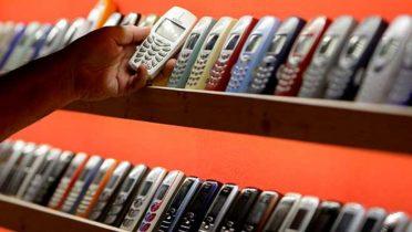 Las tiendas que compran móviles usados pagan un 75 por ciento menos que si se vende entre particulares