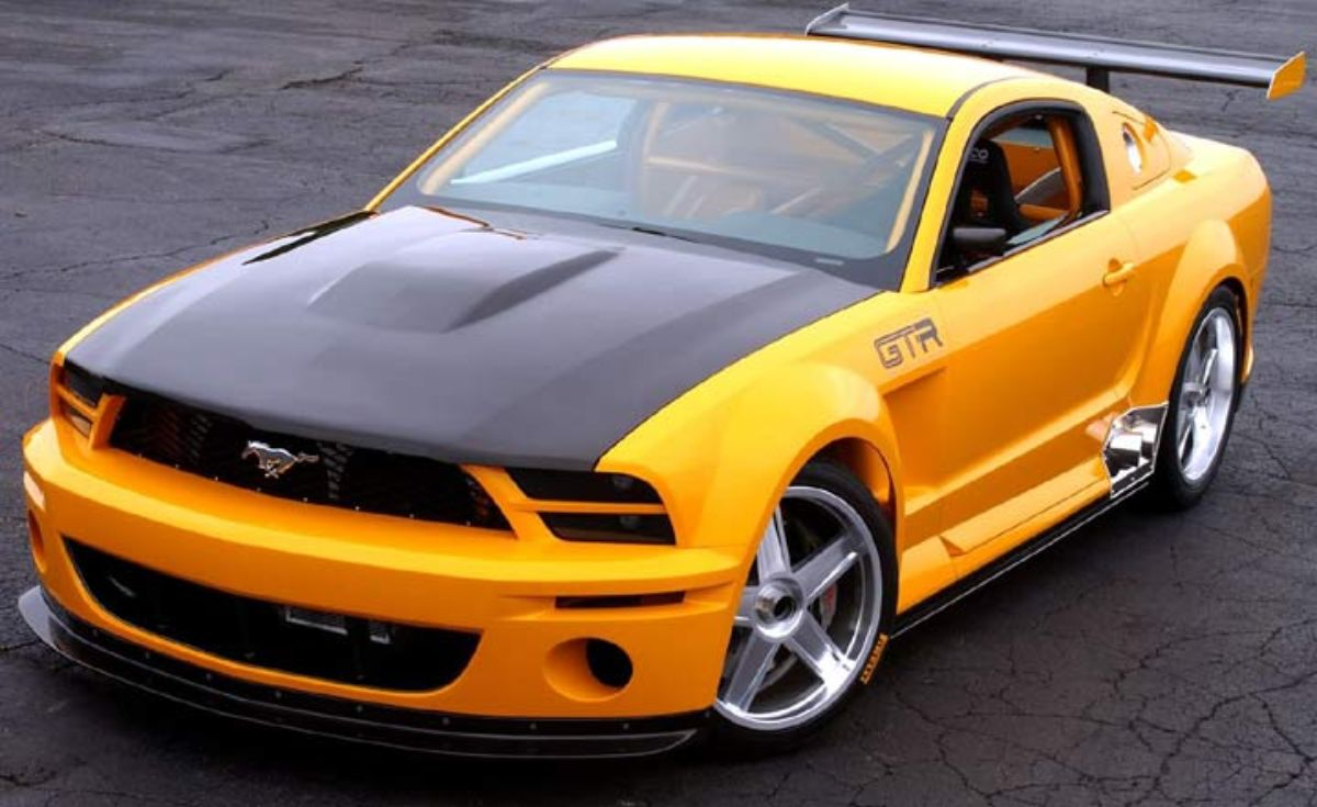 Ford Mustang GT-r.