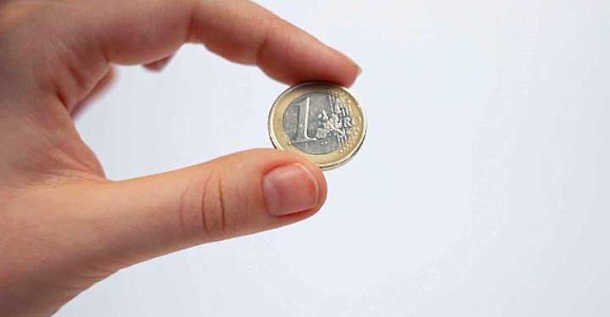 Un euro, más el IVA, es lo que quiere cobrar Jazztel por enviar la factura en papel.